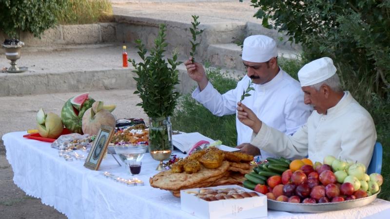 les cérémonies saisonnières de zorostrien sont appelées gahanbar