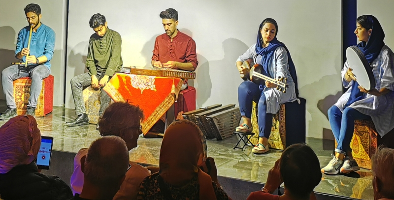 Un concert au musée de la musique d'Ispahan